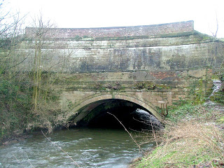 Aquaduct carrying Bridgewater canal over Bollin from river