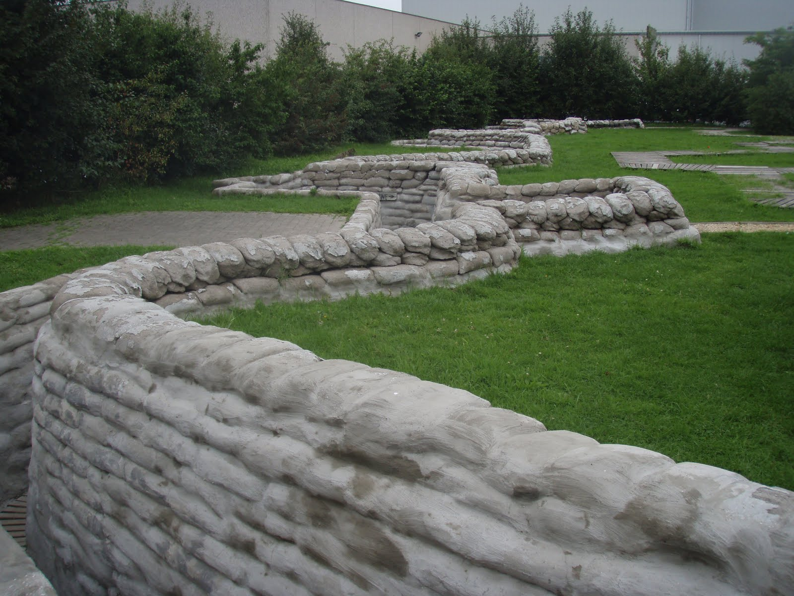 reconstruction of shallow trench with sandbag top Ypres 003